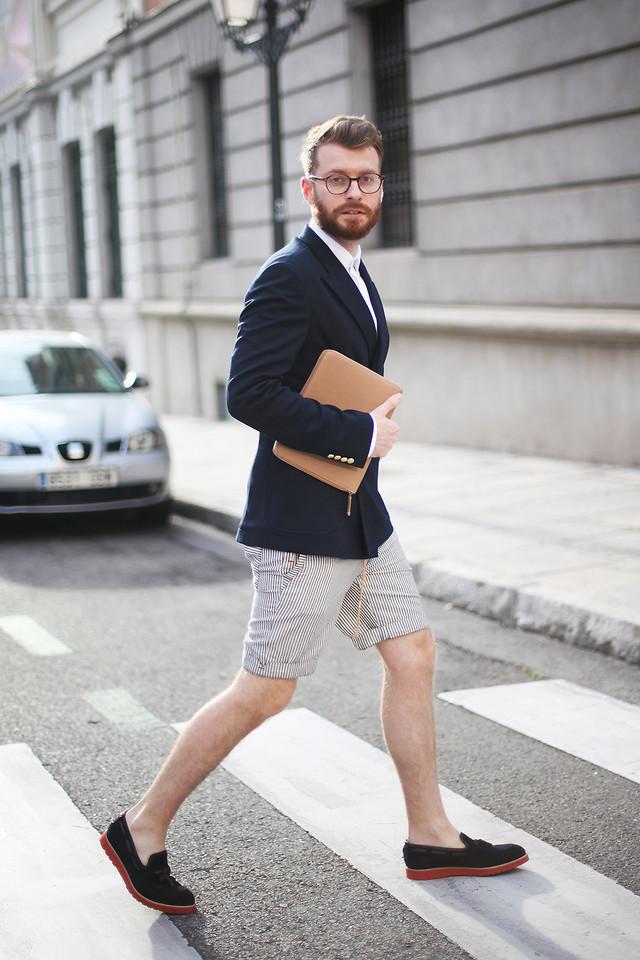 GABRIEL-G-in-shorts